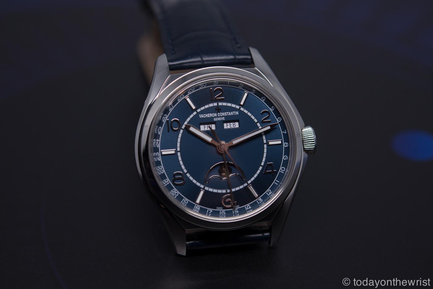 Vacheron Constantin Fiftysix Complete Calendar с синим циферблатом