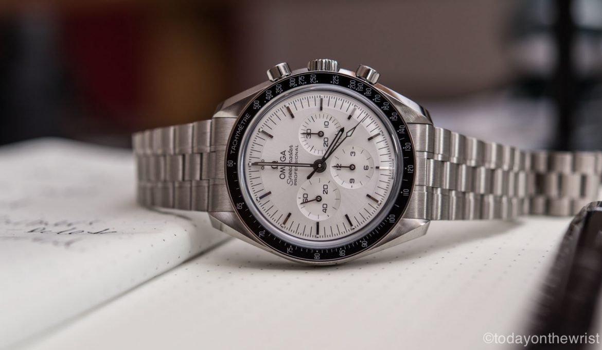 Omega Speedmaster Moonwatch Professional из золота Canopus
